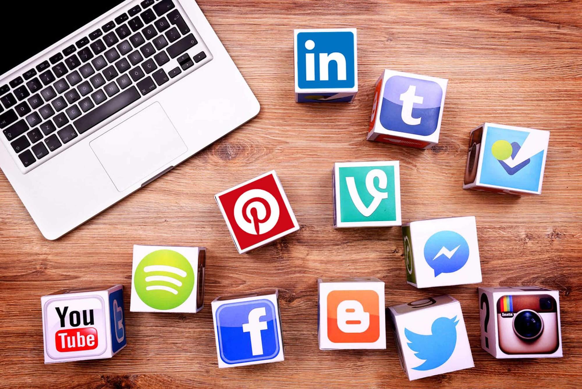 Social Media là kênh vô cùng hiệu quả khi bạn muốn tiếp cận khách hàng nhanh chóng nhất