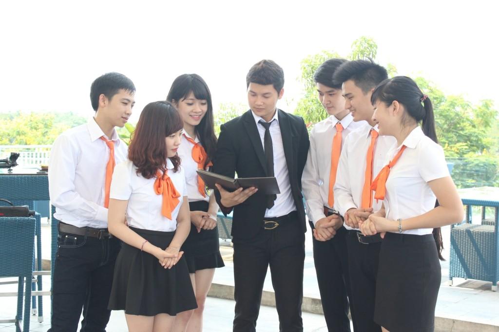 ngành du lịch Việt Nam - sinh viên ngành du lịch